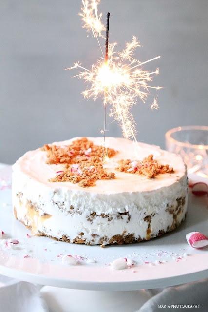 Ice Cream Cake for Christmas