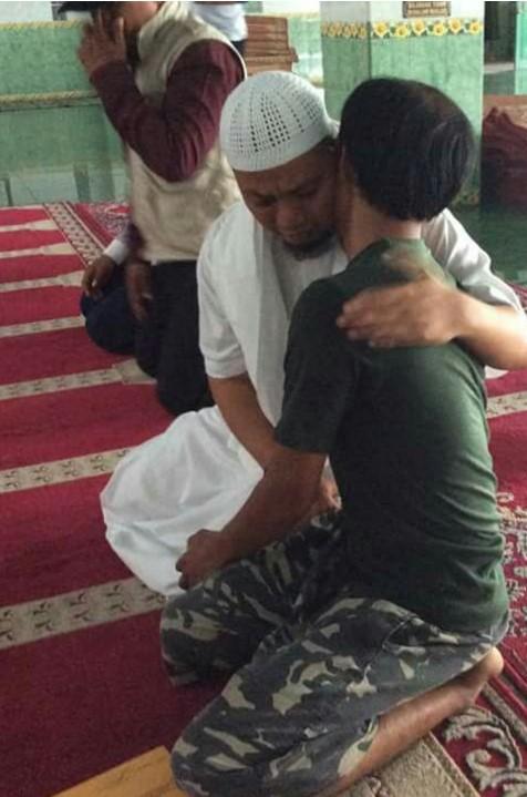 Beginilah Kasih Sayang Ulama Pada Kader Pemberani