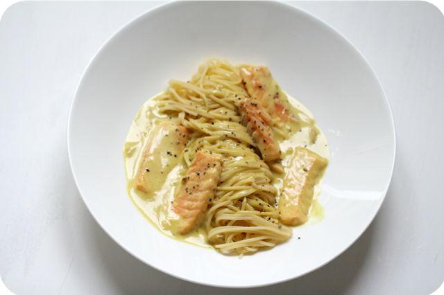 Spaghetti Limone e Salmone {Spaghetti mit Zitronensauce und Lachs} + einen Wein zum Nichttrinken! | Arthurs Tochter kocht. Der Blog für Food, Wine, Travel & Love