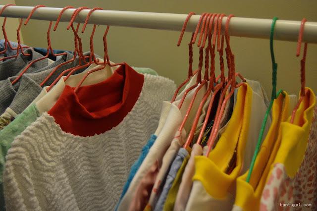 jerseis en una percha de la marca Jarapa Jarapa en el evento DesignRoom x resa Bilbao 2016