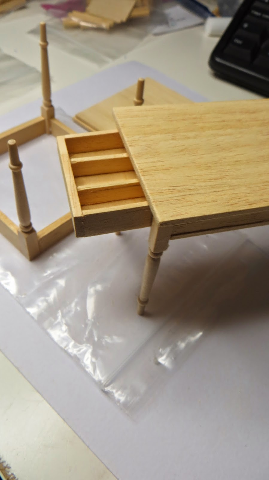 Miniatyrmama: Made Some Furnitures