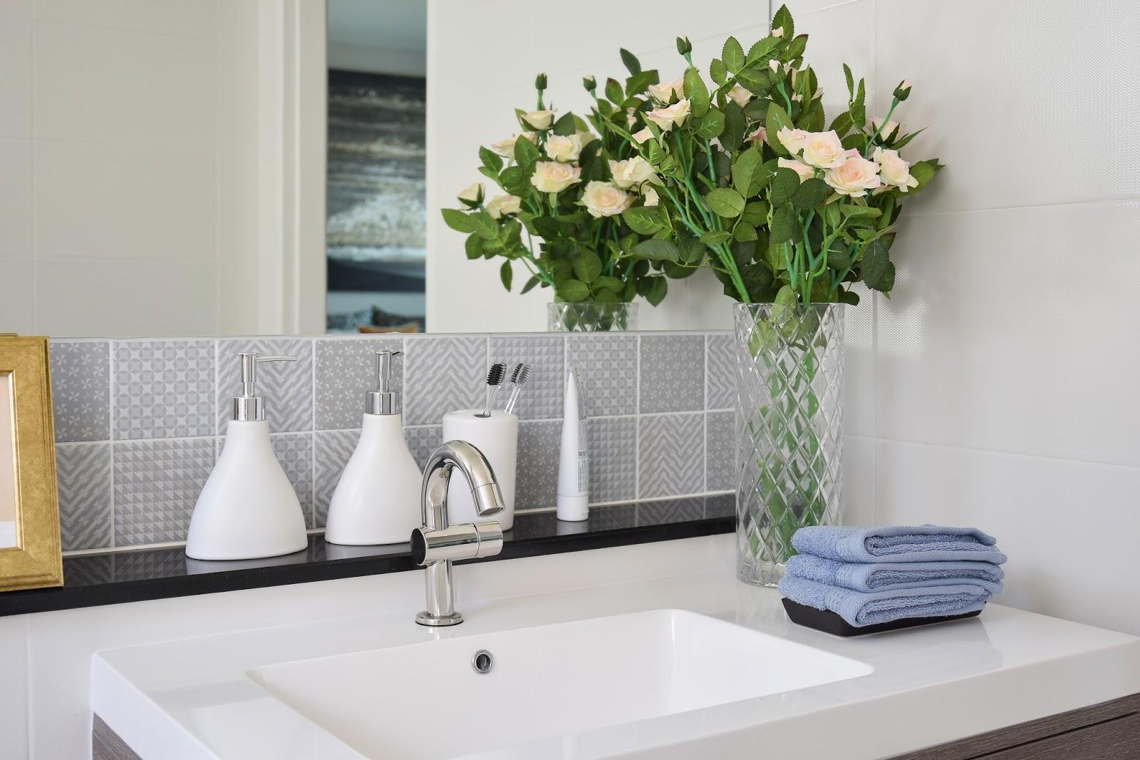 Een aangepaste badkamer vraagt de juiste hulpmiddelen | <a href ...