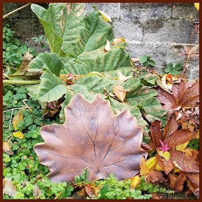 Gunnera leaf platter by Lily L (Tiger Lily Pottery).