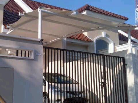 Tenda membrane di teras depan untuk garasi kendaraan beroda empat Tenda membrane di teras depan untuk garasi mobil