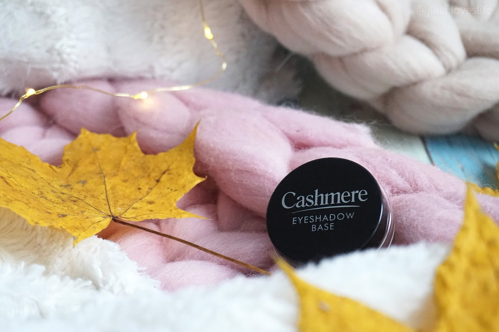 cashmere-eyeshadow-base