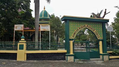 Komplek Makam Marhum Pekan Kampung Bandar Pekanbaru