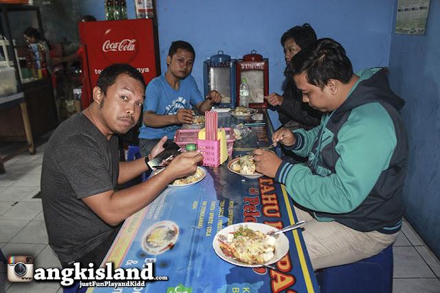 makan bareng