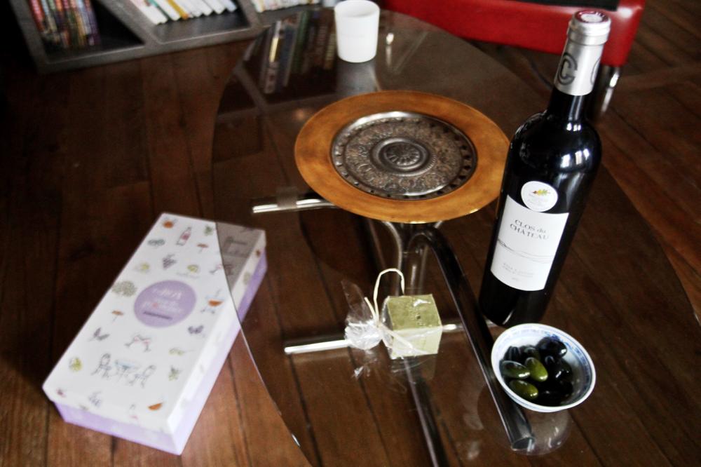 Blog-mode-style-homme-masculin_vins-de-provence-rouge_box-olive-chocolat-amandes-savon-huile-d-olive_découverte-oenologie
