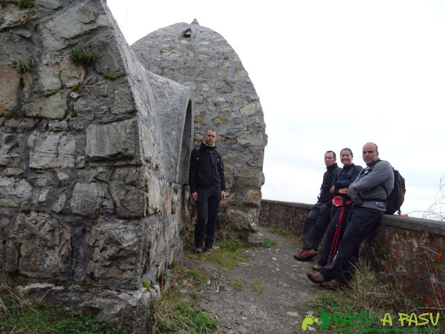 Ruta al Pico Gobia y La Forquita: Piedra Redonda y refugio abandonado