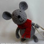 https://translate.google.es/translate?hl=es&sl=en&u=http://www.amigurumitogo.com/2015/12/crochet-mouse-free-pattern.html&prev=search