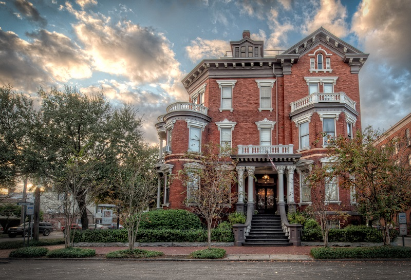 10 Most Haunted Places In Savannah For A Frightful Visit