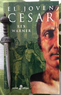 Portada del libro El joven César, de Rex Warner