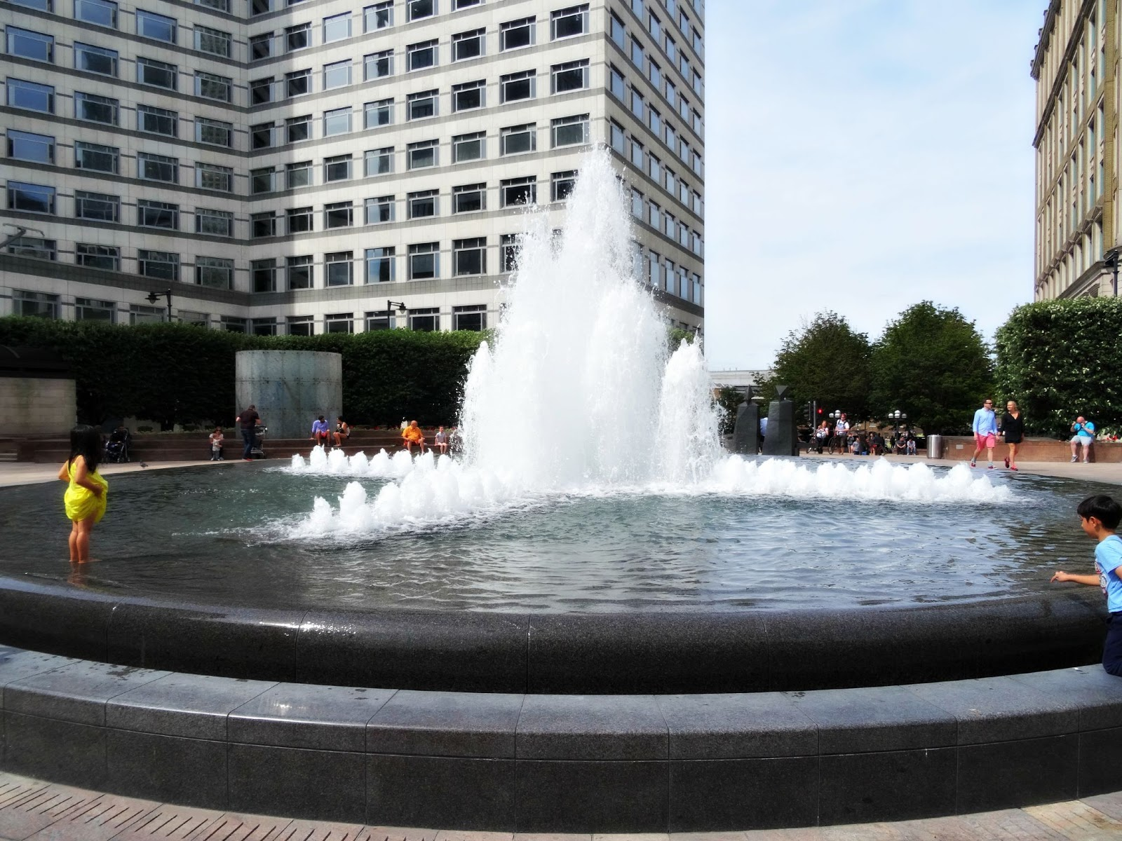 Fountain at Canary Wharf