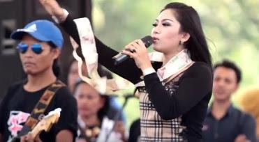 Ratna Antika Monata Regae - Cinta Anak Kampung mp3