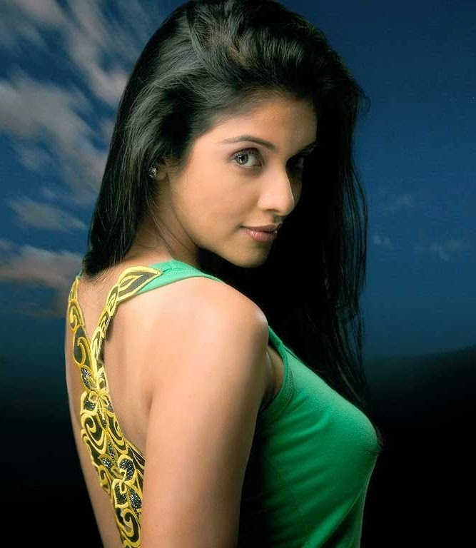 Actress HD Gallery: Tamil Actress Asin Latest Hot Photo Stills