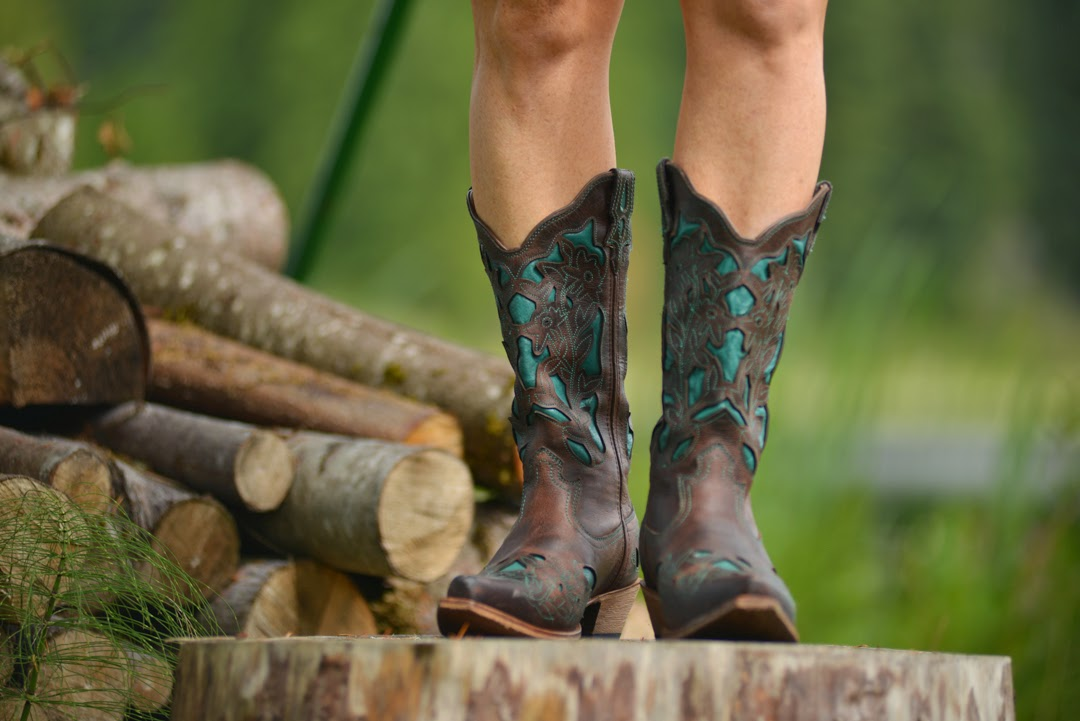 41fa74a638202 My Sweet Savannah  ~boots aren t just for winter~ a fashion post