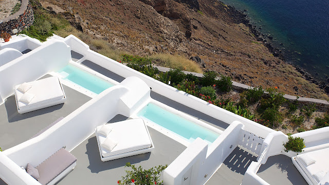Kirini Suites a boutique hotel in Oia, Santorini, Greece, promises to bedazzle your senses with its exquisite setting and miraculous views to the Caldera. In this fairytale hotel, whether you are taken by the majestic views or the luxurious service answering all your wishes, your visit will be a unique experience to cherish for life.