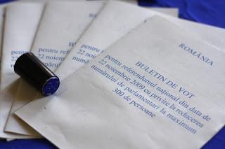 referendum Romania 300 parlamentari