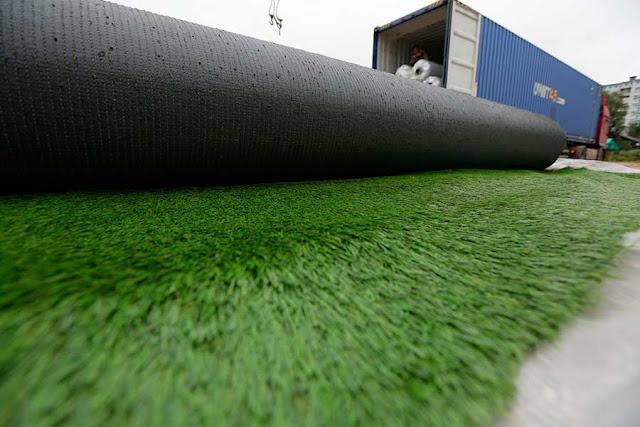 На стадионе «Луч» приступают к укладке искусственного покрытия Сергиев Посад