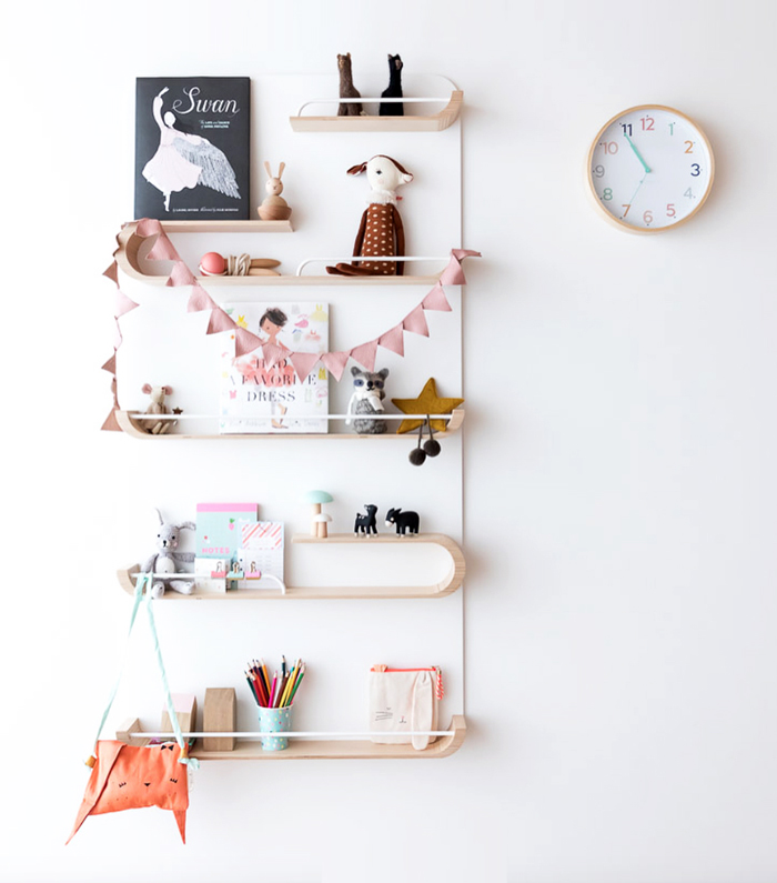XL shelf white  from  Rafa-kids styling hideandsleep_interiors