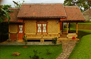 gambar rumah kampung sederhana di pedesaan