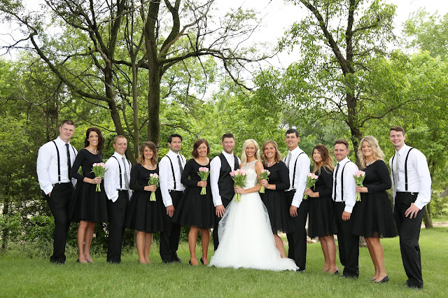 le mars wedding party photograph