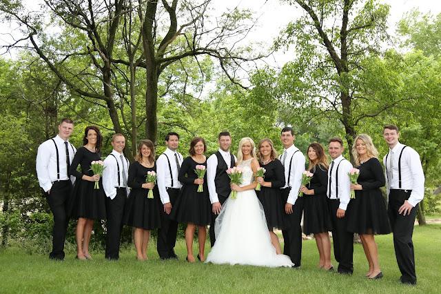 le mars wedding party photograph