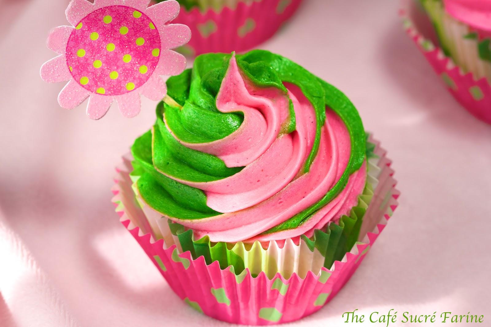 Swirly-Girly White Chocolate Cupcakes w/ Vanilla Bean ...