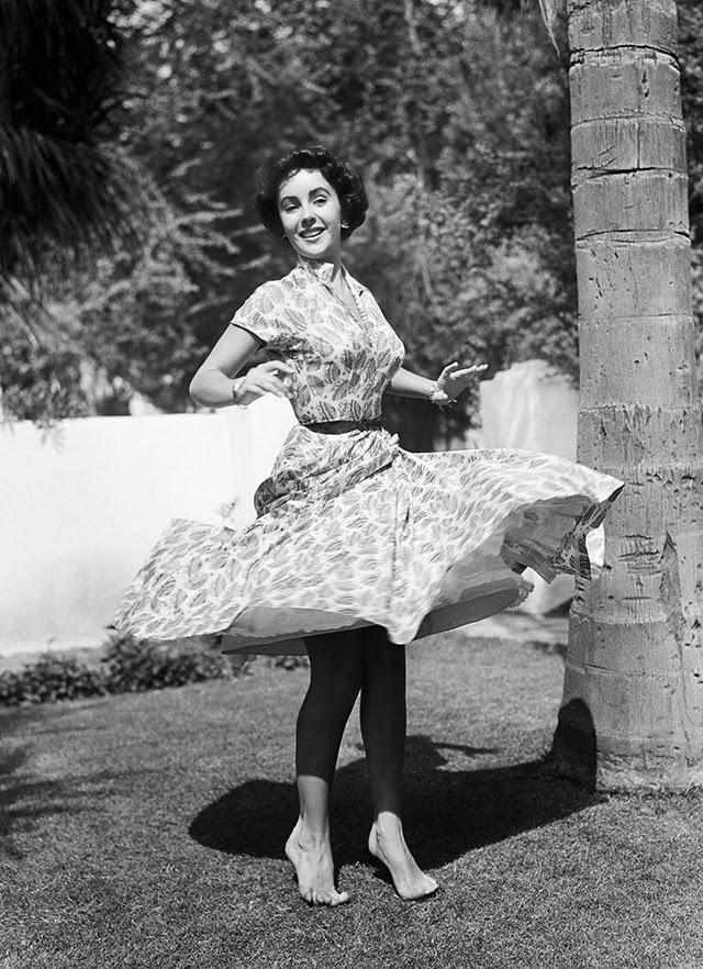 40 beautiful black and white photographs of elizabeth