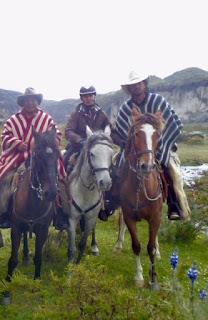 Ecuador, tulivuori, riitta reissaa, riitta kosonen, chagra, ratsastusmatka