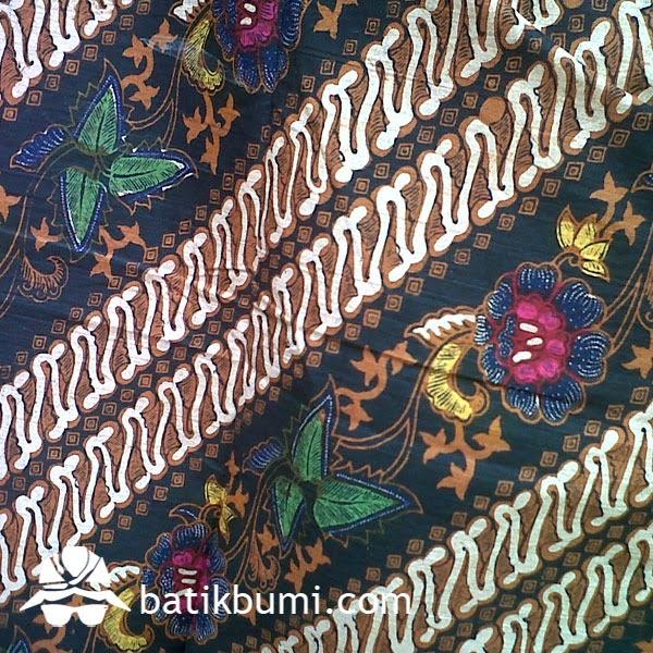 Batik Tradisi Bernilai Seni Tinggi