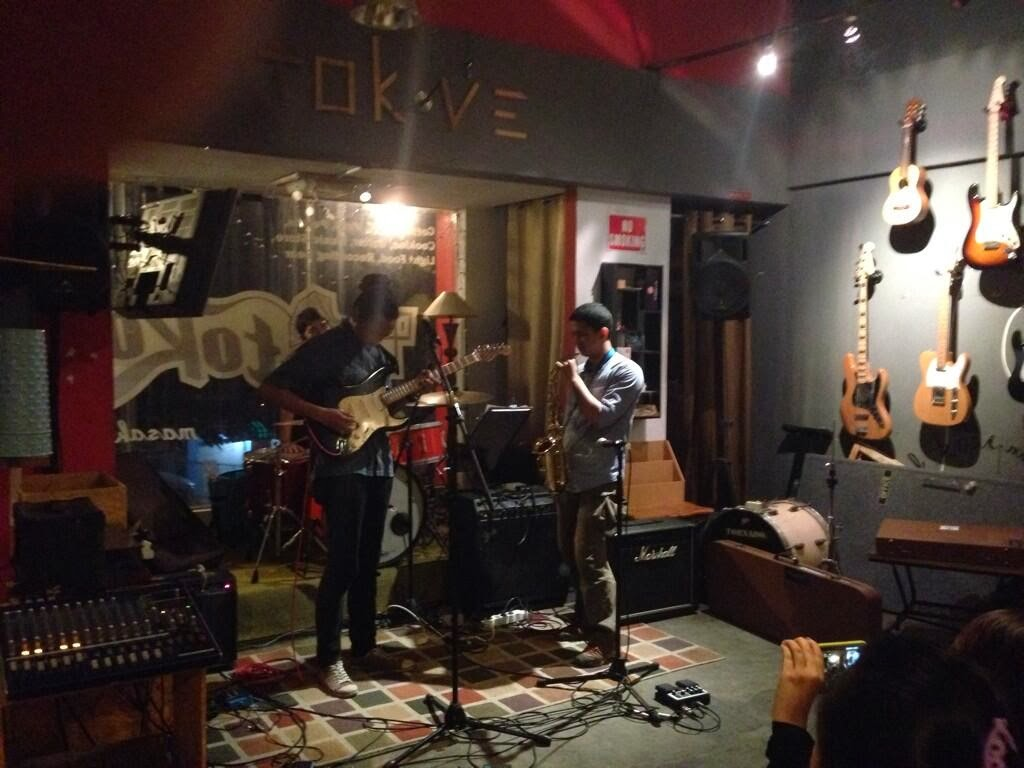 tokove cafe live music