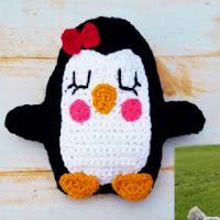 http://crochetverse.com/penguin-ragdoll/