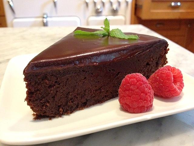Bruce Bogtrotter S Cake