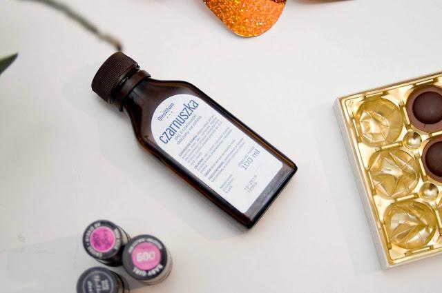 olejek z czarnuszki na włosy jak działa