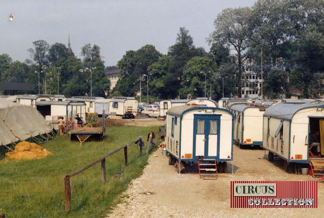 Roulottes d'habitation  du Cirque National Suisse Knie  1970