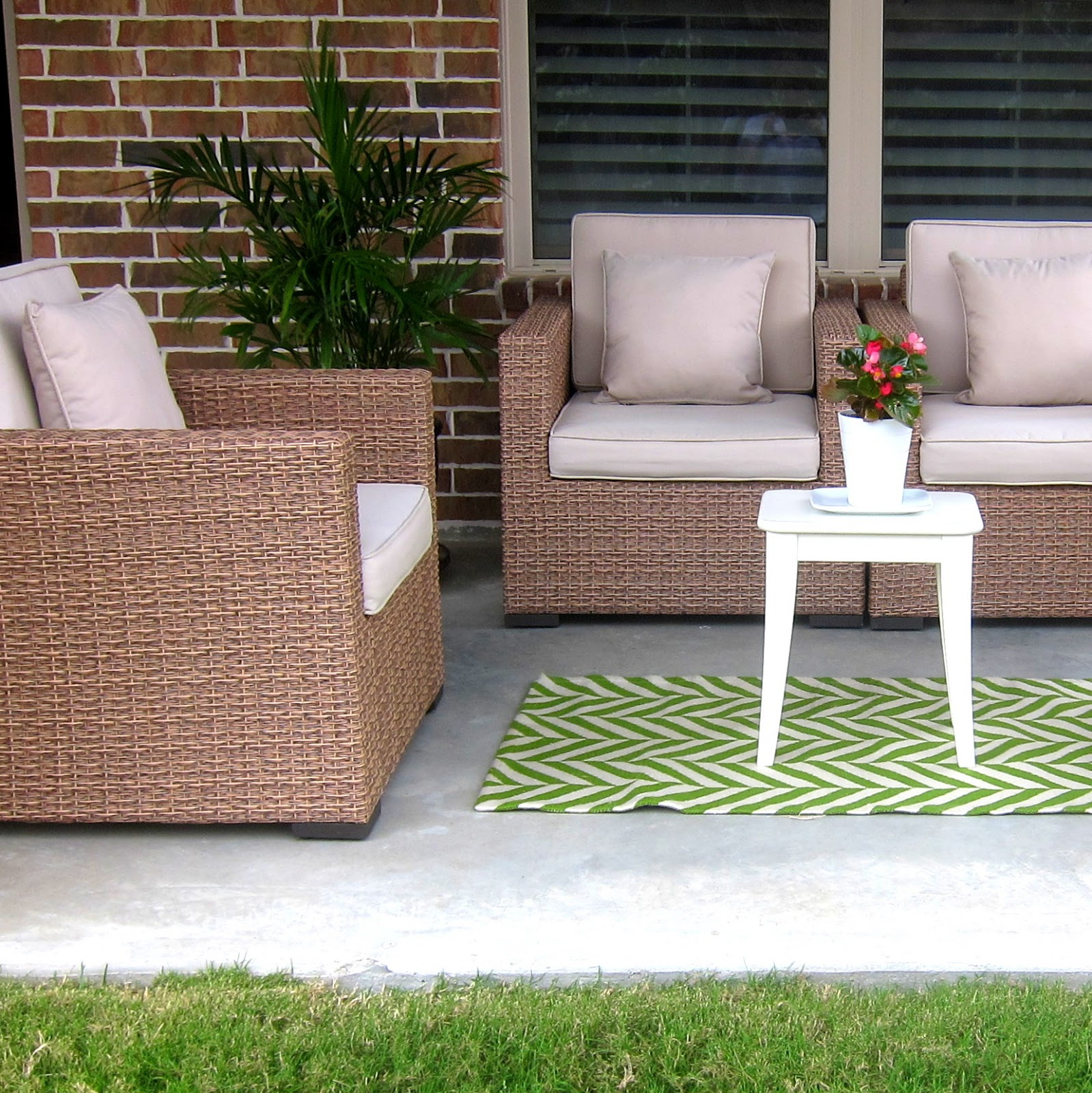 this is happiness: patio update {outdoor rug}