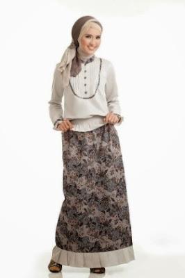 Baju batik setelan dan hijab modis trend masa kini