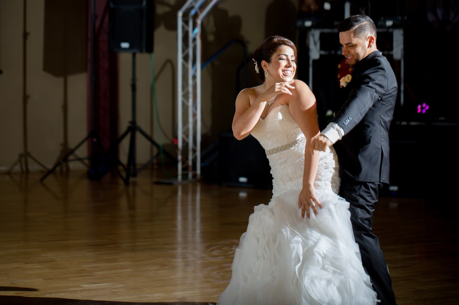 Bride and Groom really get down to their First Dance