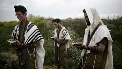 Más miembros de la comunidad ultraortodoxa se están uniendo al ejército como nunca, de acuerdo con Yonatan Bransky del grupo Netzaj yehuda.