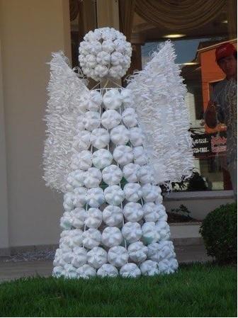 cómo hacer un ángel con botellas de plástico navidad manualidad