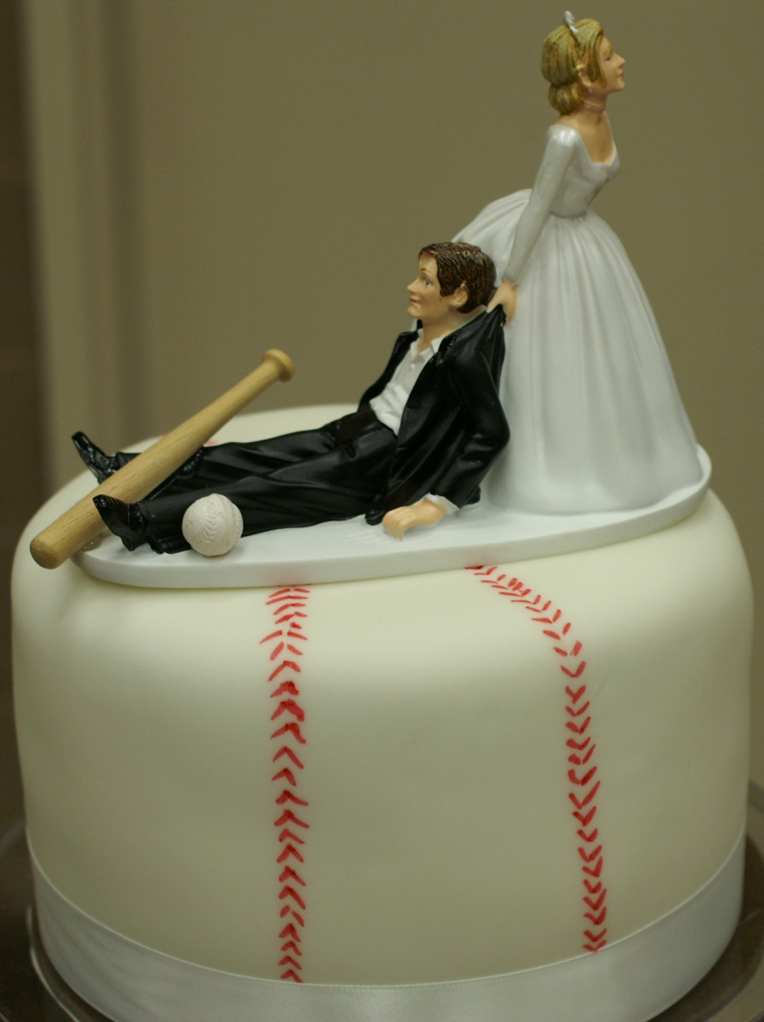 baseball themed wedding cake toppers pace of cakes baseball theme wedding cake 1508