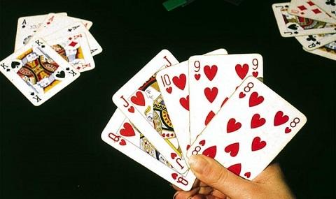 Xì tố còn được biết đến với tên gọi khác là Poker Hồng Kông