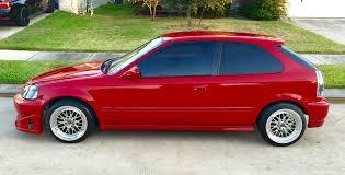 gambar mobil honda civic warna mrah