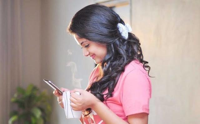 Cute Smiling images of Keerthi Suresh