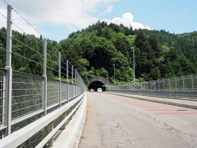 鳥居地トンネル