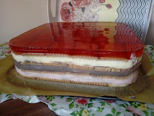 budyniowy przekladaniec z galaretka budyniowiec herbatnikowiec ciasto na zimno ciasto bez pieczenia ciasto warstwowe ciasto z galaretka ciasto na herbatnikach ciasto na ciastkach