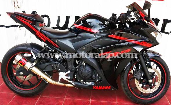 Yamaha YZF R25 With Akrapovic GP M1 Lorenzo Fullsystem