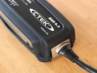 CTEK MUS4.3 バッテリーチャージャー&メンテナー + シーテック バンパー60