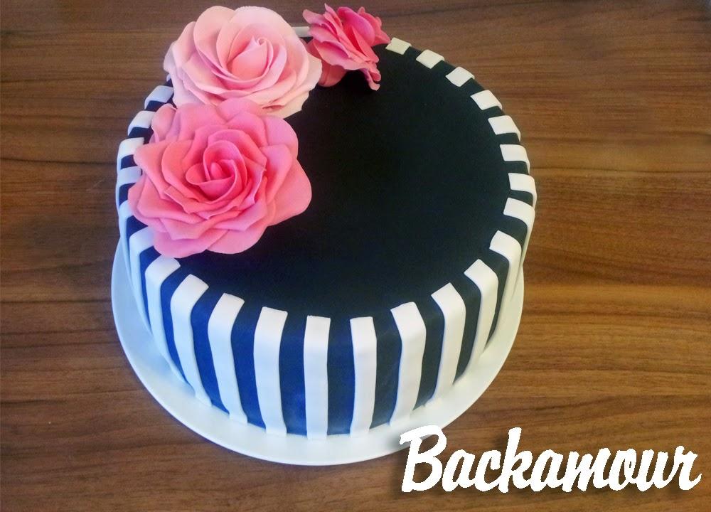 Backamour Die Susse Seite Schwarz Weiss Torte Mit Pinken Rosen